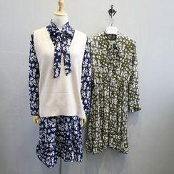Phantasy - Long-Sleeve Floral Chiffon Dress