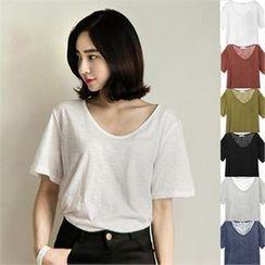 TISVIN - V-Neck Colored T-Shirt