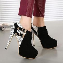 Mancienne - Snake-Print Buckled Shoe Boots