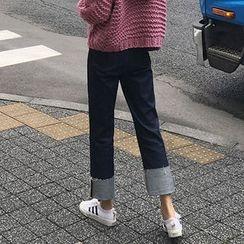 chuu - Cuff-Hem Straight-Cut Jeans