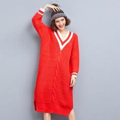 Yalaura - V-neck Ribbed Knit Dress