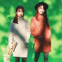 Kuki Cat - Turtleneck Sweater Dress