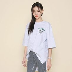 Envy Look - Elbow-Sleeve Lettering Long T-Shirt