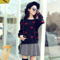 Soft Luxe - Set: Lip Print Sweater + Houndstooth A-Line Skirt