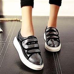 Mancienne - Velcro-Strap Shimmer Slip-Ons