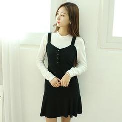 Dodostyle - Buttoned Front Sleeveless Ruffle-Hem Dress
