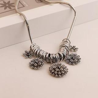 Love Generation - Rhinestone Flower Statement Necklace