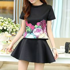 Swish - Set: Flower Appliqué T-Shirt + Miniskirt