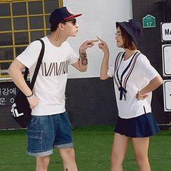Azure - Couple Matching Contrast Trim Short Sleeve T-Shirt