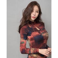 GUMZZI - Key-Hole Neck Shirred Dress