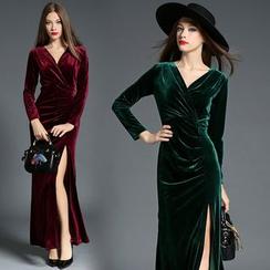 Hanni - Velvet Maxi Dress