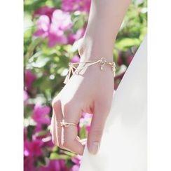 kitsch island - Tasseled Metal Bracelet