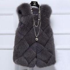 Ryefield - Furry Vest