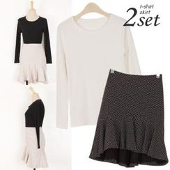 Ho Shop - Set: Round-Neck Ribbed T-Shirt + Dotted Ruffle-Hem Skirt