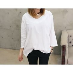 DANI LOVE - V-Neck 3/4-Sleeve T-Shirt