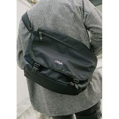 JOGUNSHOP - Lettering Messenger Bag