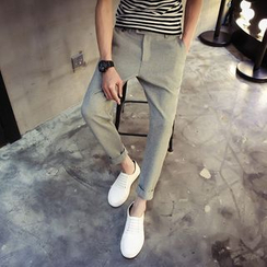 Maluda - Slim-Fit Cropped Pants