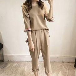 Fashion Street - Set: 3/4-Sleeve Top + Cropped Pants