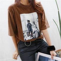 PIPPIN - Printed Velvet T-Shirt