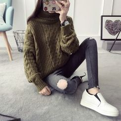 Qimi - Turtleneck Cable Knit Sweater