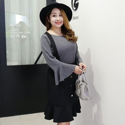 Hennson - Set: Bell-Sleeve T-Shirt + Ruffle Hem Buttoned Suspender Skirt