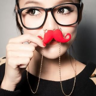 CUTIE FASHION - Mustache Necklace