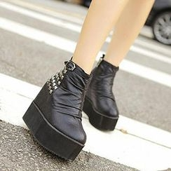 Mancienne - Studded Platform Wedge Ankle Boots