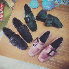 楊董 - 粗跟飾扣高跟鞋