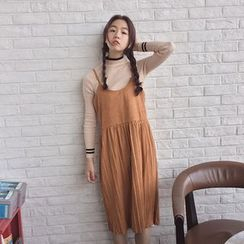 QZ Lady - Strappy Pleated Midi Dress