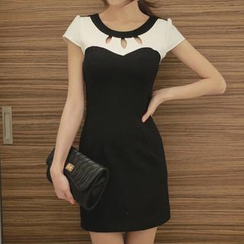 Fashion Street - Cutout Detail Short-Sleeved Dress