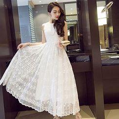 Dimanche - Lace Sleeveless Dress