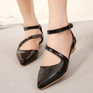 Mancienne - Strappy Pointy Flats