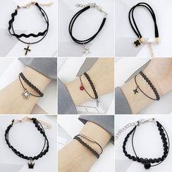 Seoul Young - Charm Drop Bracelet