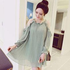 Oaksa - Cutout Shoulder Accordion Chiffon Dress