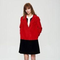 Romantica - Notched-Lapel Color-Block Buttoned Cashmere Coat