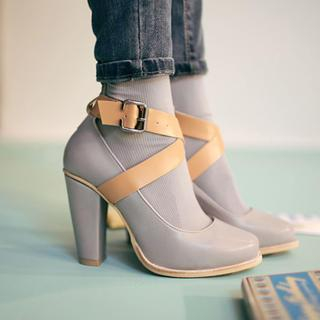 chuu - Cross-Strap Mary Jane Pumps