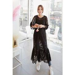 Momnuri - Maternity Ruffle-Hem Maxi Lace Dress