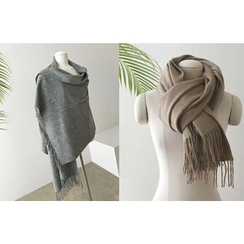 DAILY LOOK - Wool Scarf