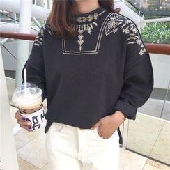 VeryBerry - Embroidered Mock Neck Oversized Sweatshirt