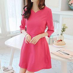 Q.C.T - 3/4-Sleeve Knit Dress