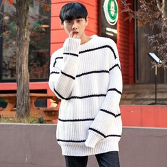 TOMONARI - Crew-Neck Stripe Sweater