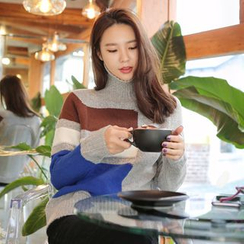 WITH IPUN - Turtleneck Color-Block Sweater