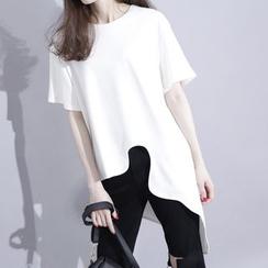 Sonne - 立体剪裁不规则弧形下摆T恤