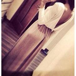 Dream a Dream - Open-Back Maxi Dress