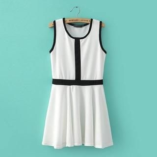 JVL - Contrast-Trim Tank Dress