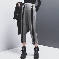 Sonne - Faux-Suede Metals Color-Block Cropped Pants