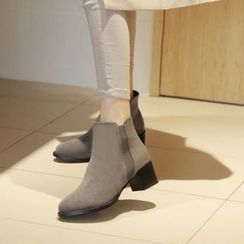 JY Shoes - Block Heel Pointy Short Boots