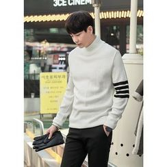 GERIO - Turtle-Neck Contrast-Trim Sweater