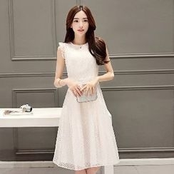 Romantica - Sleeveless Ruffled Lace Dress