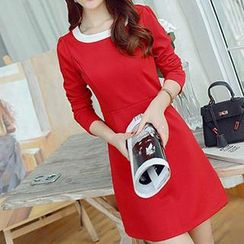 Q.C.T - Contrast Trim Long-Sleeve Dress